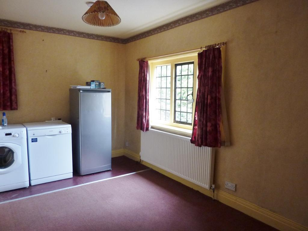 4 Bedroom Detached for Sale in Colwyn Bay, LL29 7YP