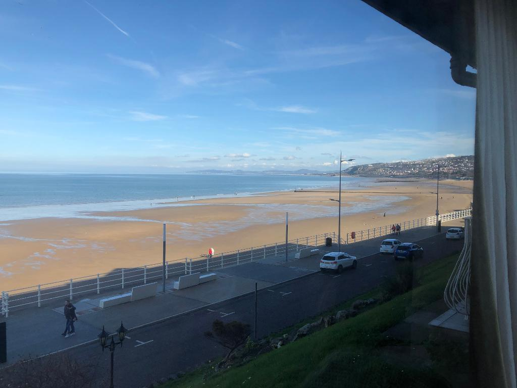 2 Bed Apartment Property for Sale in Colwyn Bay, LL29 8PJ