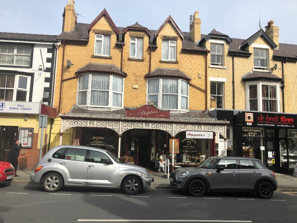 Shop front & Additional Living Space Property for Sale in Colwyn Bay, LL29 7RU