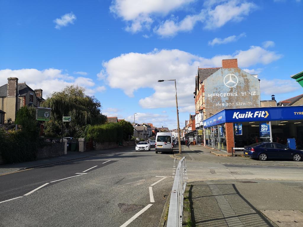 Advertising Space to Rent in Colwyn Bay, LL29 4EN