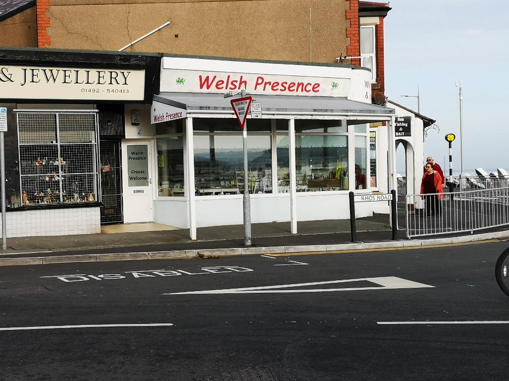 Commercial Premises for Sale in Rhos on Sea, LL28 4PP