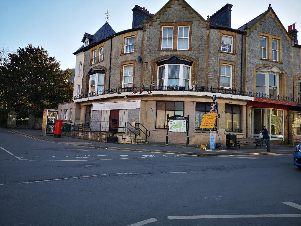 Commercial Premises for Sale in Penmaenmawr, LL34 6AJ