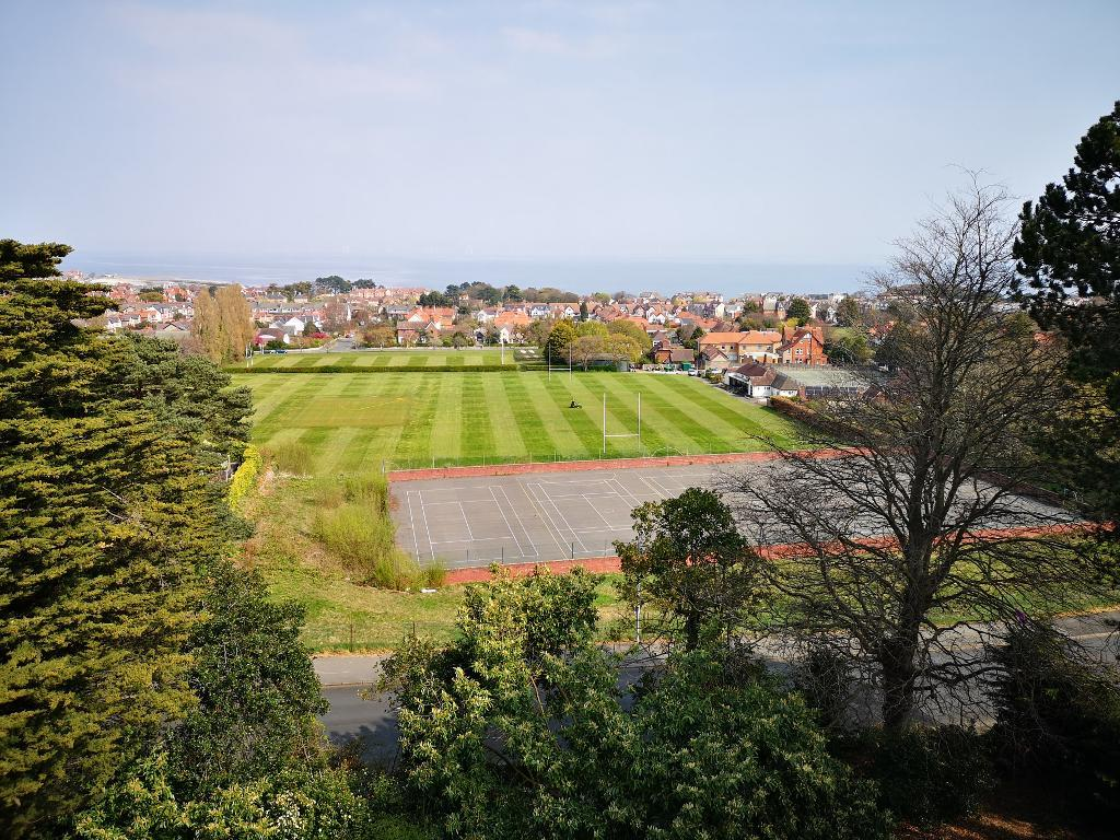 2 Bed Apartment Property for Sale in Colwyn Bay, LL29 7YP