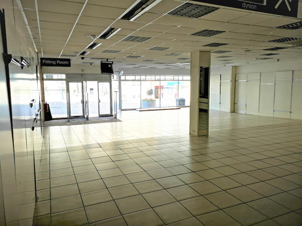 Commercial Premises Property to Rent in Colwyn Bay, LL29 8BU