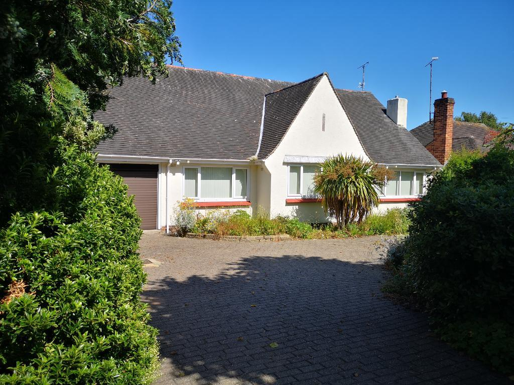 3 Bed Bungalow Property for Sale in Rhos On Sea, LL28 4TF