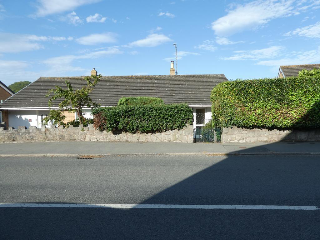 3 Bed Semi-Detached Property for Sale in Rhos On Sea, LL28 4YF