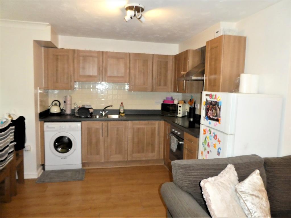 2 Bedroom Flat for Sale in Rhos on Sea, LL28 4EW