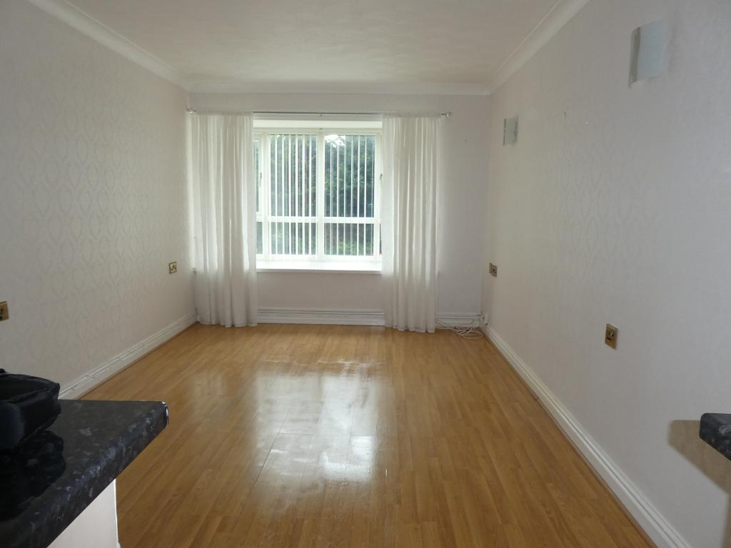 1 Bed Flat Property to Rent in Colwyn Bay, LL29 8PQ